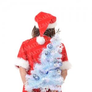 「サンタの女の子の後ろ姿とクリスマスツリー」の女子向け無料素材